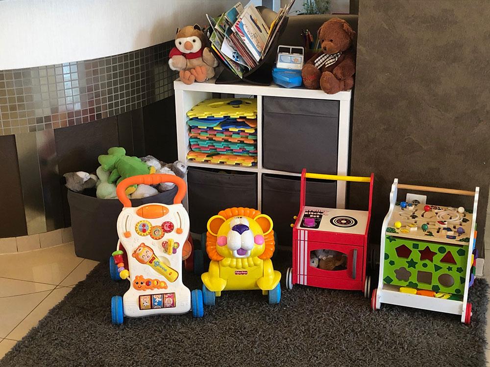 Zabawki dla dzieci w sali restauracyjnej