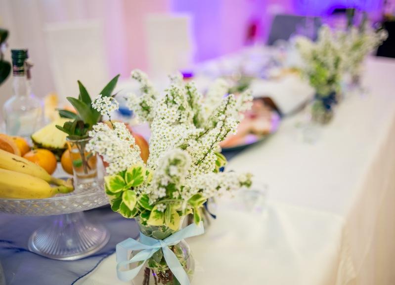 Stół Młodej Pary - sala weselna w opolu - dekoracje